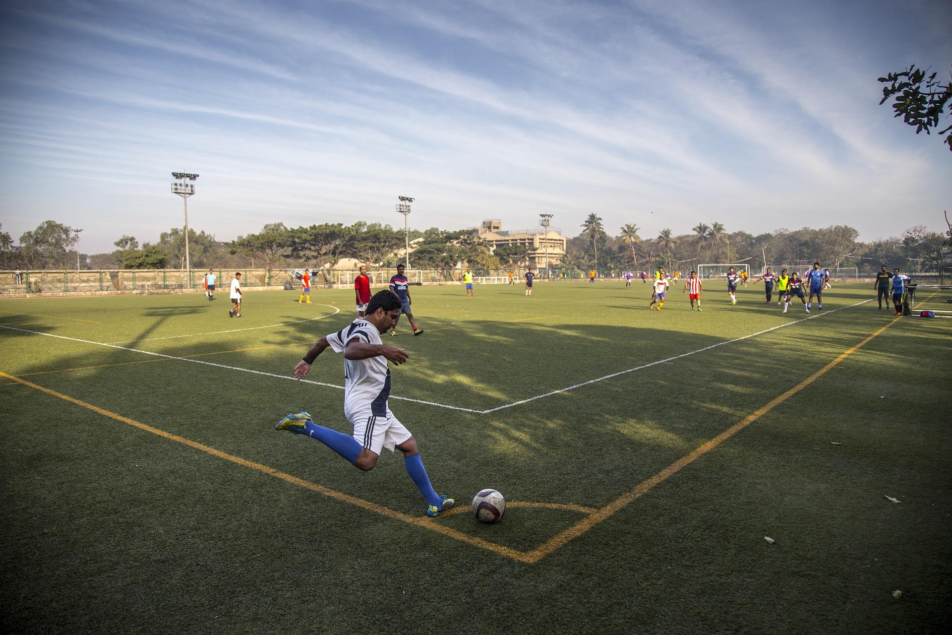 football-1145963_1920